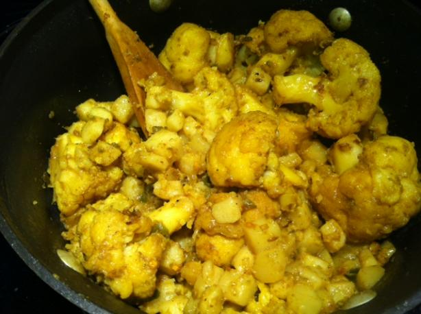 Aloo Gobi - Cauliflower and Potatoes. Photo by hoosierterp