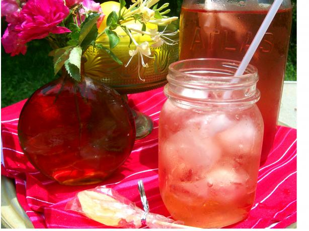 Simple Herbal Iced Tea (Sugar-Free). Photo by Sharon123