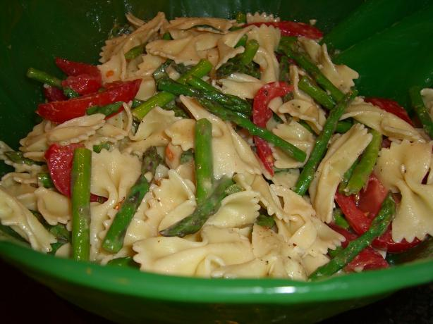 Fresh Tomato-Basil-Asparagus Pasta Salad. Photo by Chef*Lee