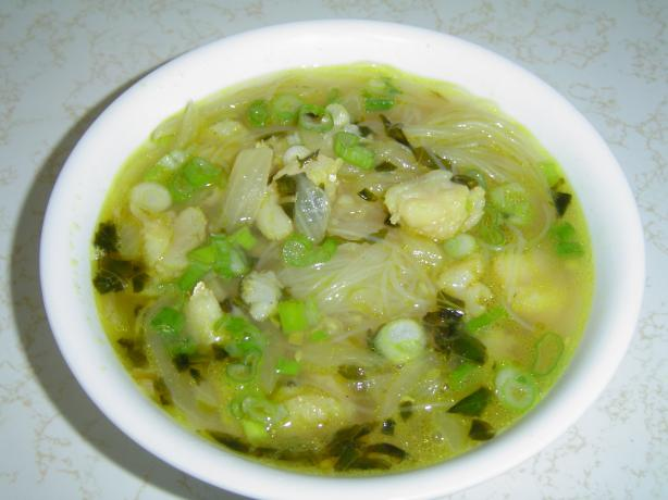 Canh Bun Tau (Fish and Cellophane Noodle Soup). Photo by NaCly