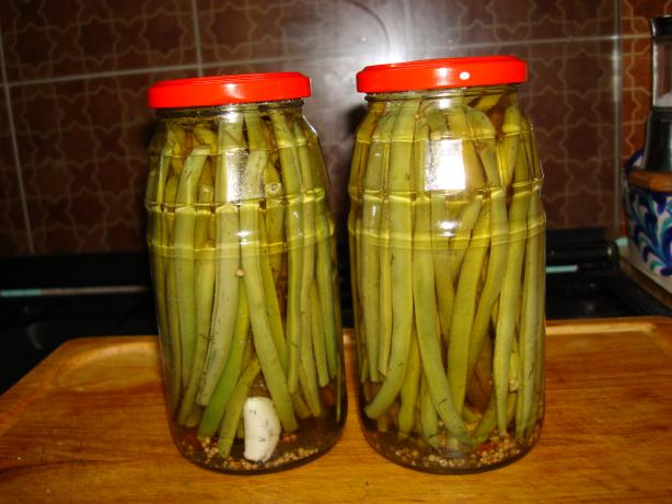 Pickled Green Beans (Dilly Beans). Photo by Brian Holley