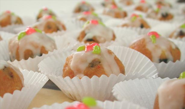 Mini Christmas Fruit Puddings. Photo by Chef floWer