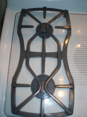 Clean Your Gas Cook Top Burner Grates. Photo by Chef Tweaker