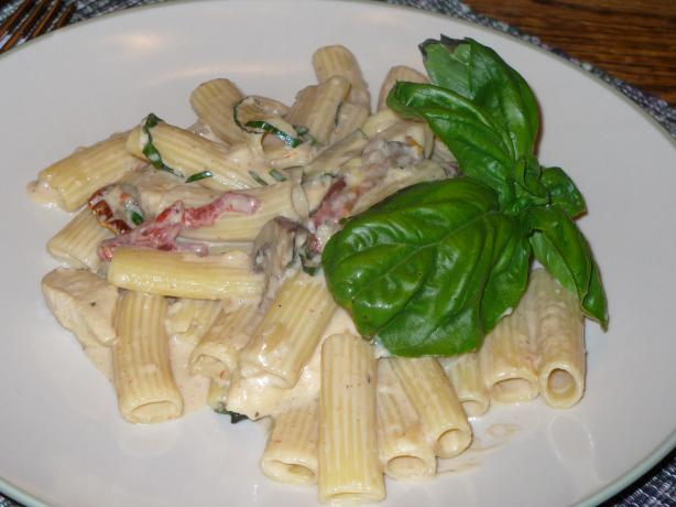 Chicken & Campanelle Pasta With Roasted Garlic Cream. Photo by IngridH