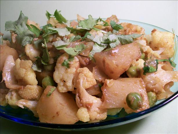 Aloo Gobi Mattar - Cauliflower, Pea and Potato Curry. Photo by Sharon123