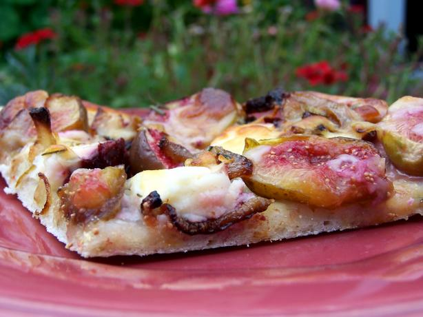 Fresh Fig, Caramelized Onion and Goat Cheese Gourmet Pizza. Photo by Rita~