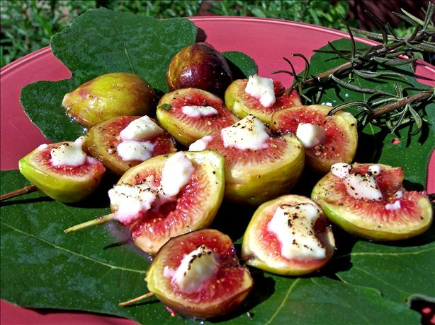 Broiled Figs With Goat Cheese. Photo by Rita~