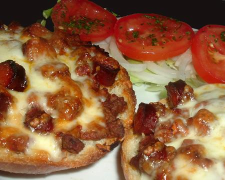 Pizza Burgers. Photo by Bergy