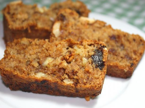Eggless Date Apple & Walnut Cake. Photo by **Jubes**