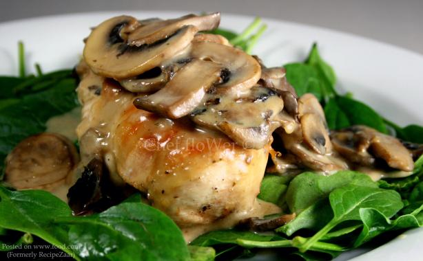 Chicken Breast With White Wine and Mushroom Cream Sauce. Photo by Chef floWer