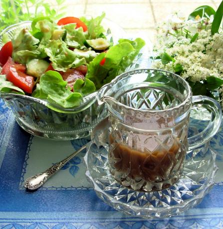 Fantastique Jam Jar French Dressing - With a Twist!. Photo by French Tart