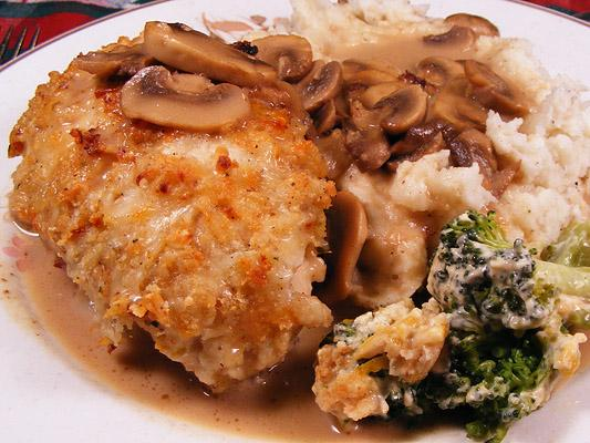 Olive Garden Stuffed Chicken Marsala. Photo by Lavender Lynn
