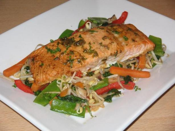 Baked Seasoned Salmon. Photo by The Flying Chef
