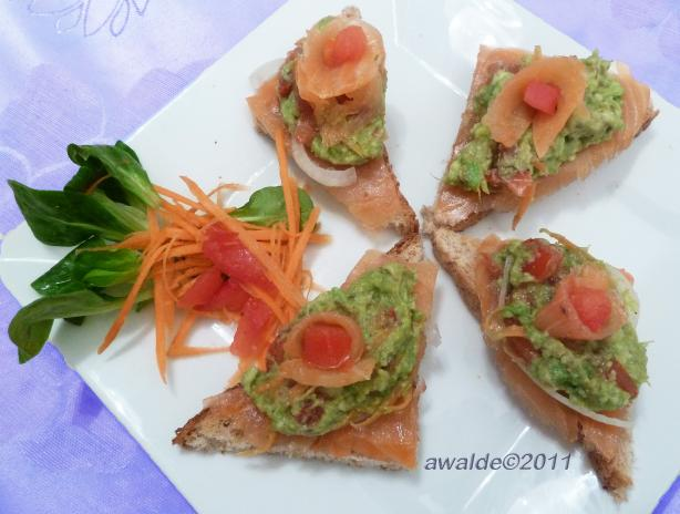 Guacamole-Smoked Salmon Bruschetta. Photo by awalde