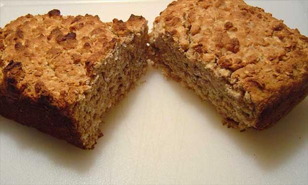 Egg-Free Oatmeal Whole Wheat Quick Bread. Photo by federico