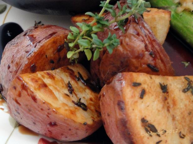 Thyme-Roasted Potato W/ Balsamic Vinegar. Photo by Debbwl