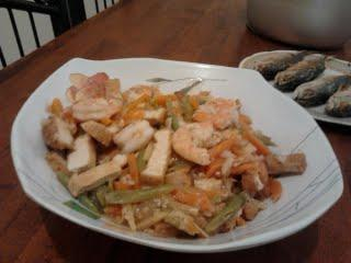 Shrimp With Tofu Stir-Fry. Photo by rhaniff