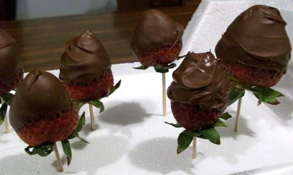 Chocolate Dipped Strawberries. Photo by 2Bleu