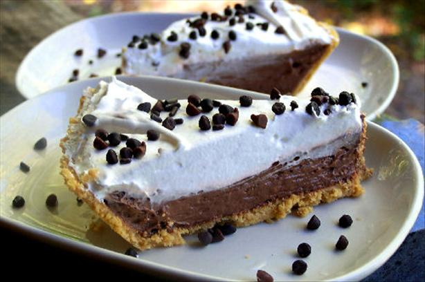 5 Minute - Double Layer Chocolate Pie. Photo by NcMysteryShopper