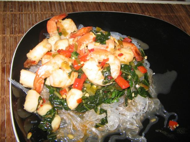 Spicy Shrimp and Scallops With Cellophane Noodles. Photo by catalinacrawler