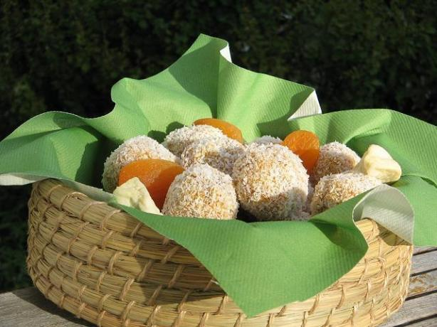 Apricot Dream Balls. Photo by The Flying Chef