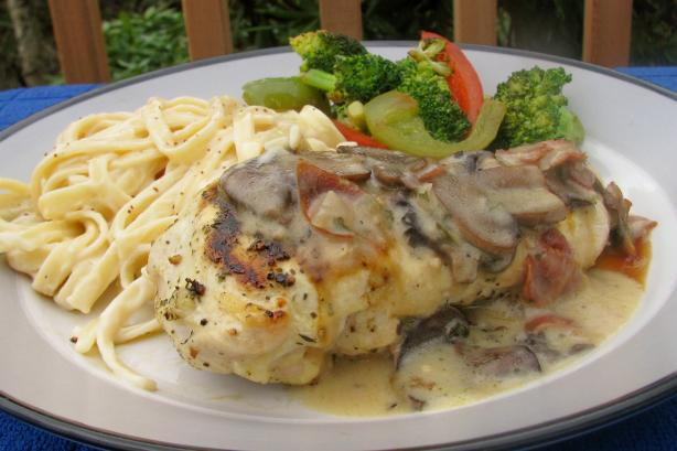 Carrabba&#39;s Chicken Marsala. Photo by lazyme