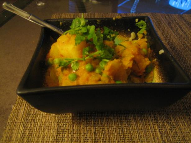 Aloo Matar. Photo by Savana M.