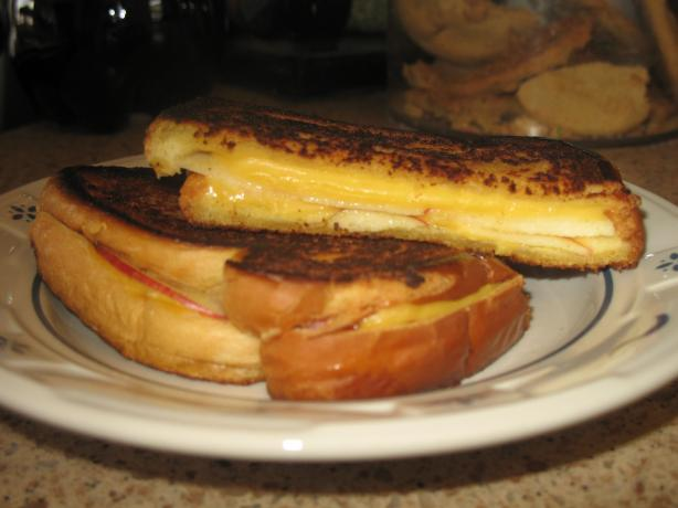Apple-Cheddar Panini. Photo by Acadia*