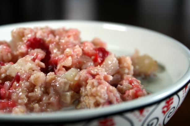Weight Watchers' Applesauce-Cranberry Oatmeal. Photo by Chef floWer
