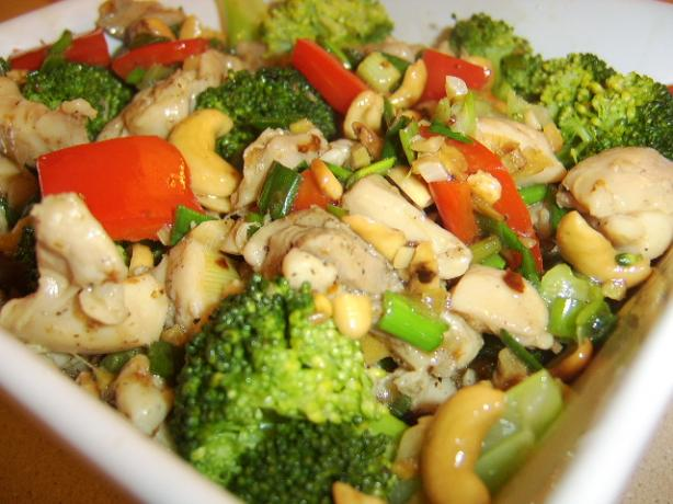 Chicken and Cashew Stir-Fry. Photo by LifeIsGood