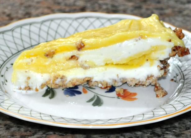 Lemon  Ice Cream Pie With Pecan Crust. Photo by KateL