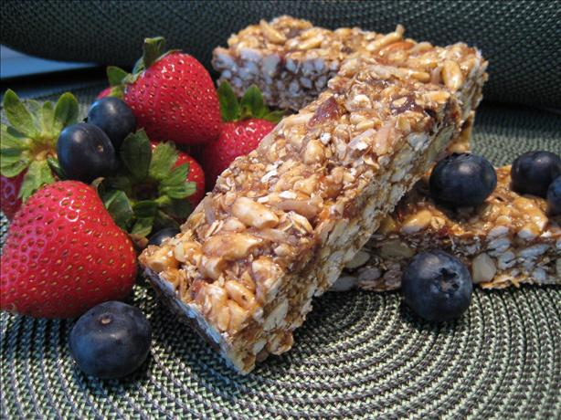 Chewy No-Bake Granola Bars. Photo by Cookin&#39;Diva