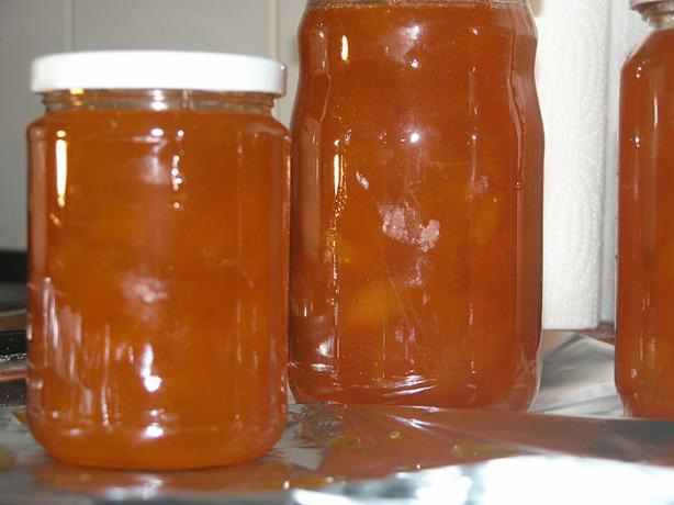 Homemade Apricot Jam. Photo by nitko