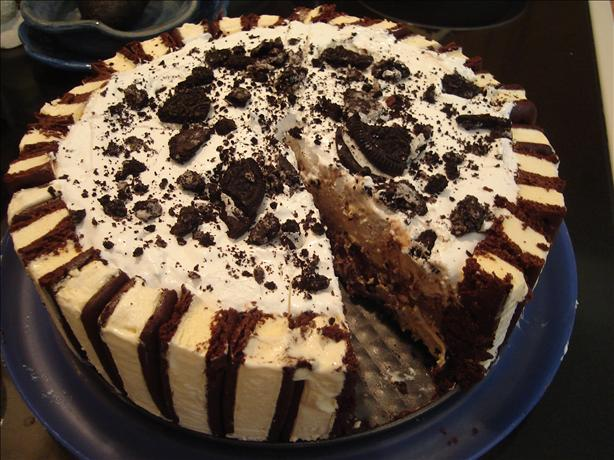 "Layered Ice Cream "" Cake"". Photo by Bettee Crocker"