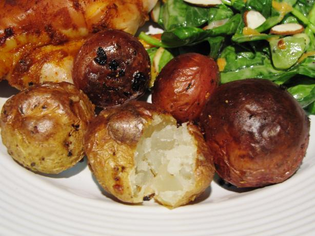Roasted Baby Potatoes With Herbs. Photo by loof
