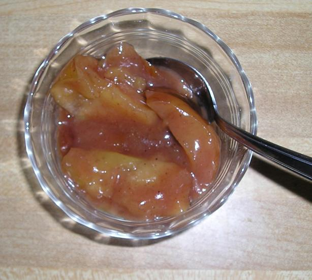 Slow Cooker Cinnamon Apples. Photo by Deb G