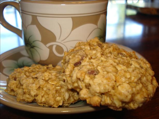 Low Fat Oatmeal Chocolate Chip Cookies. Photo by Mika G.