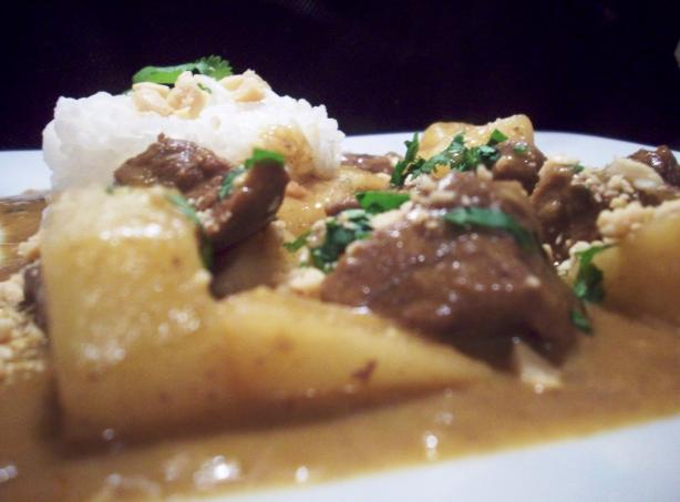 Slow Cooker/Crock Pot Massaman Curry. Photo by Tisme
