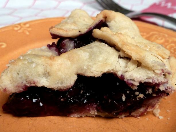 Blueberry Pie. Photo by momaphet