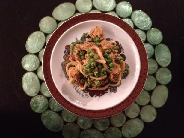 Tempeh Cashew Noodles. Photo by Alcibie