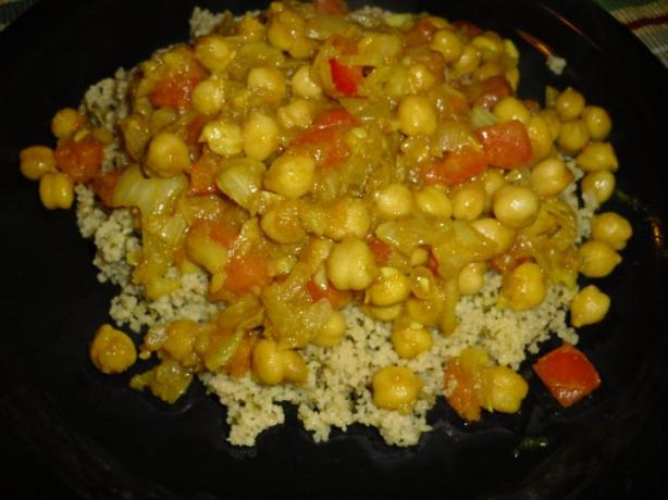 Chickpea Curry (Garbanzos). Photo by tamalita62