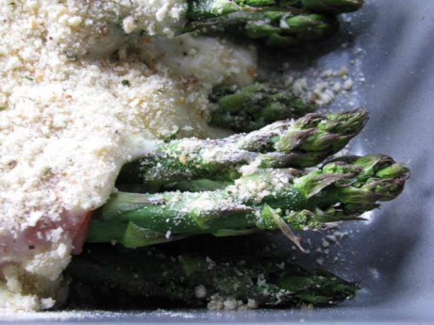 Cheesy Asparagus And Ham. Photo by iris5555