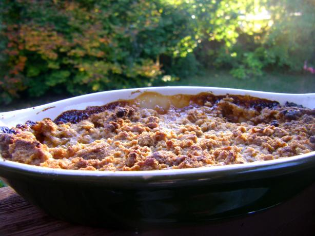 Peach Crumble Pie. Photo by momaphet