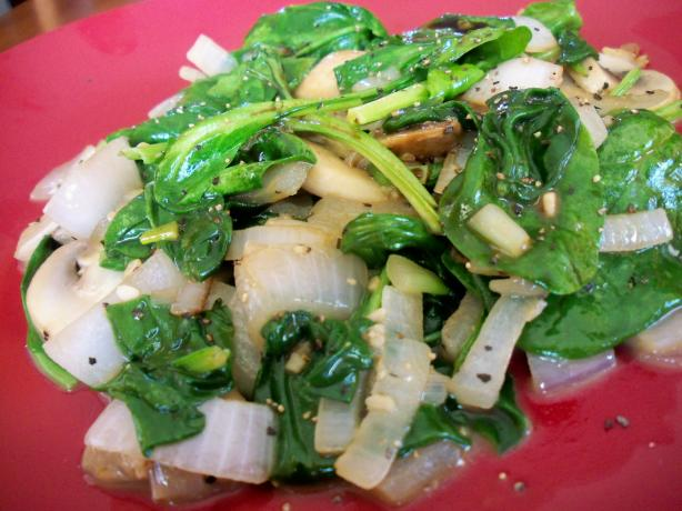 Onion, Mushroom and Spinach Saute (For Two). Photo by *Parsley*