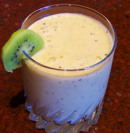 Kiwi Pear Smoothie. Photo by Rita~