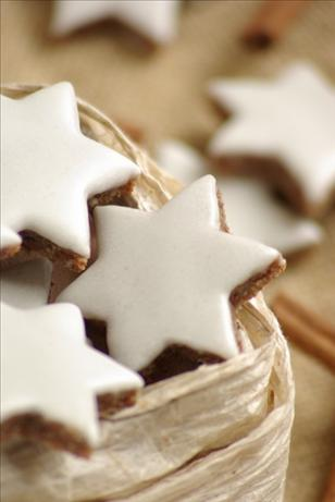 Zimtsterne (Cinnamon Star Cookies). Photo by Thorsten