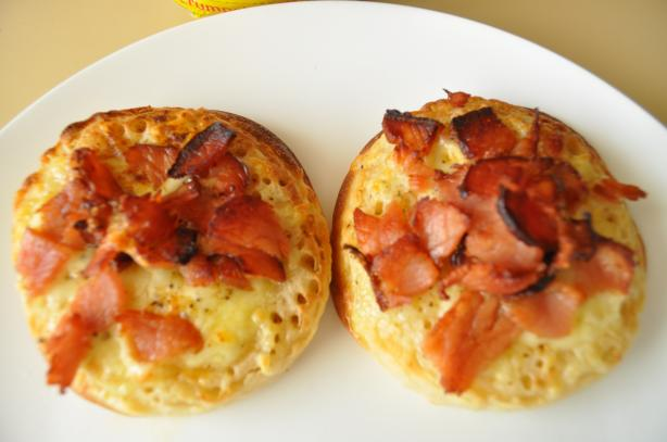 Crumpets With Cheese & Bacon. Photo by I'mPat