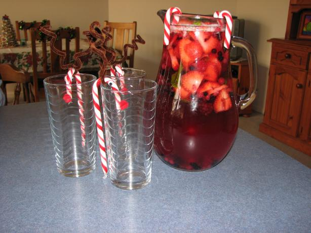Merry Berry Christmas Punch. Photo by Luv2Bake08