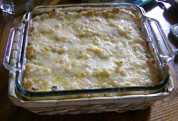 Cheesy Hash Browns Casserole. Photo by Nasseh