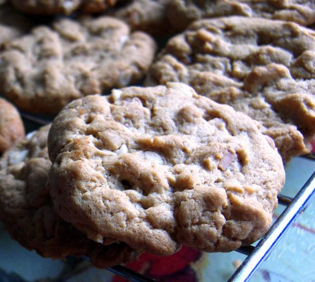 Easy 5-Ingredient  Peanut Butter Cookies. Photo by Derf